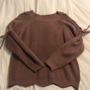 Timing tie sleeve sweater